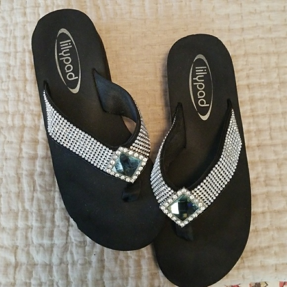 f0f0da46818880 lilypad Shoes - Lilypad Flip Flops
